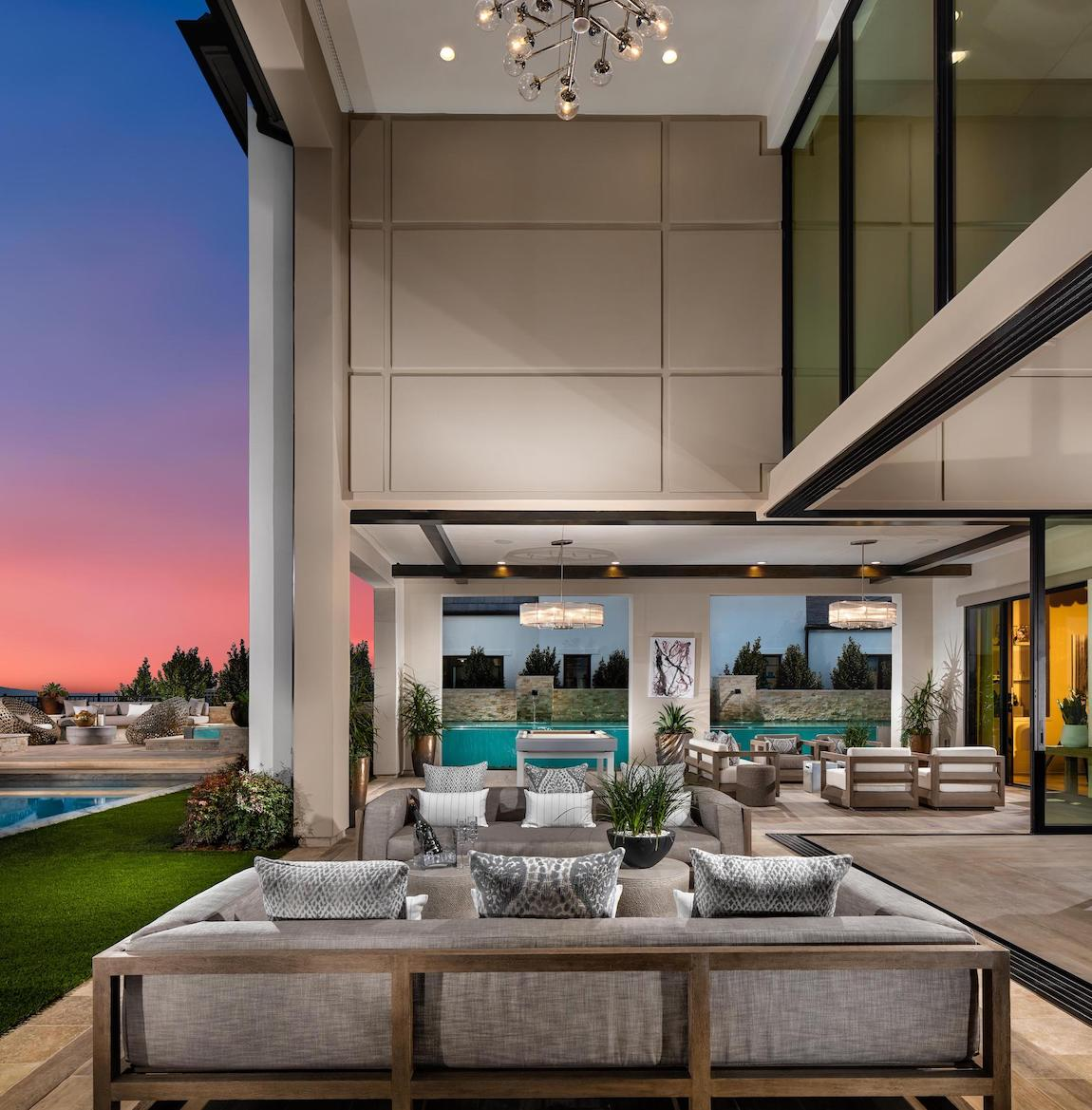 Luxury patio with tall ceilings and spacious lounge area