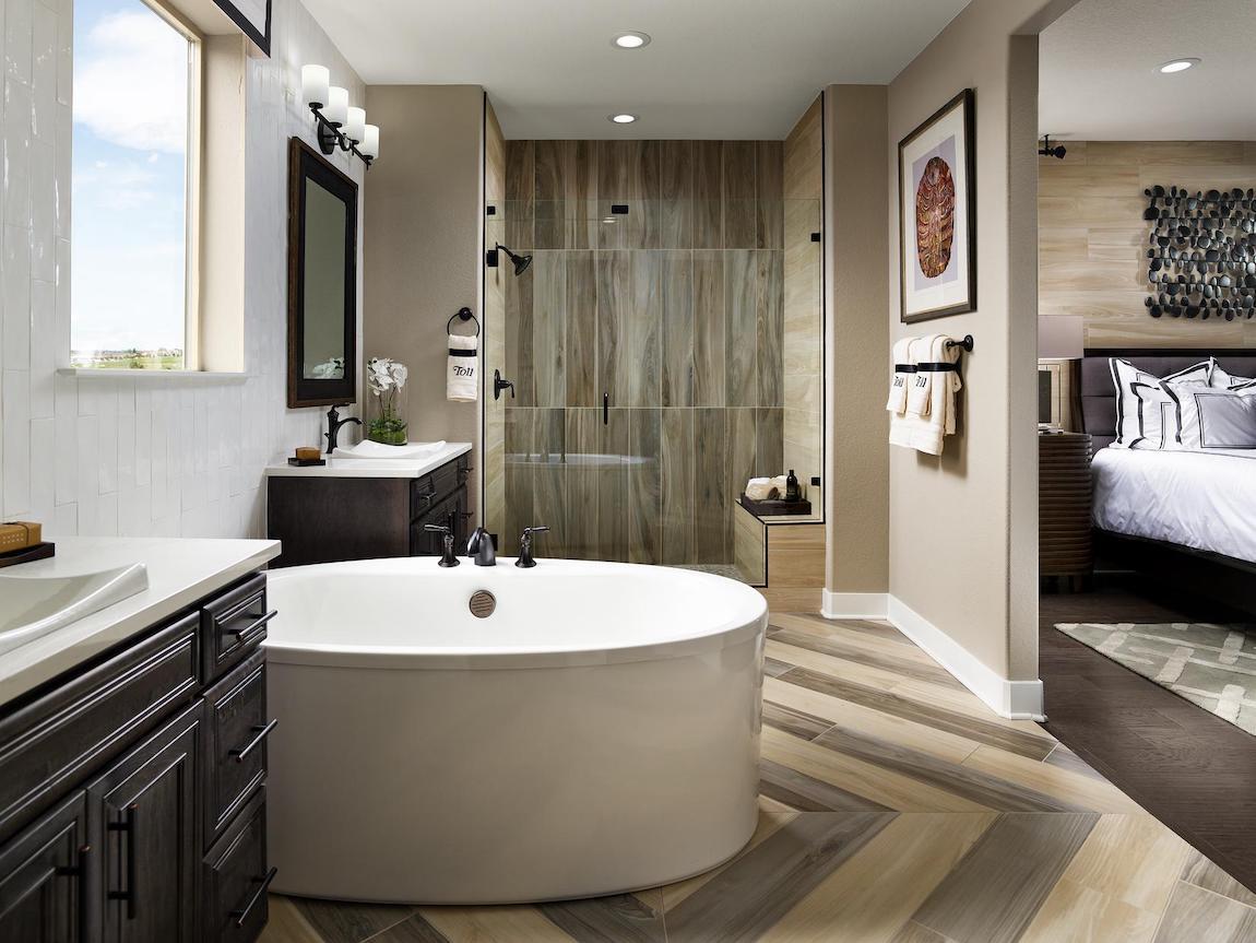 Central Sunstruck bathtub in modern bathroom