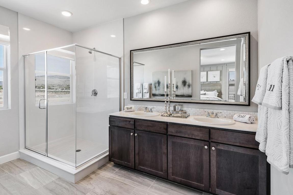 Bathroom with Memior-style sink faucets