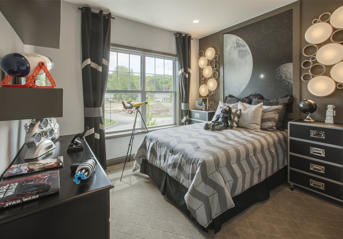 Kid's bedroom with astronaut theme