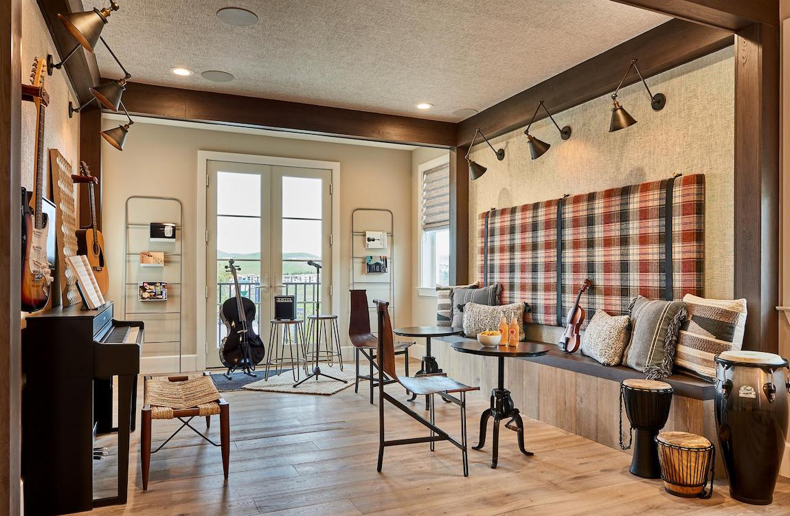 Wonderful flex space featuring many instruments and smart, next-gen music technology