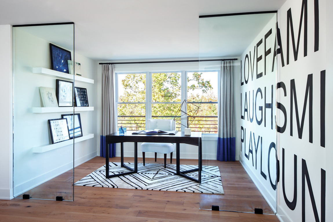 Office with natural lighting which makes it easier to work from home