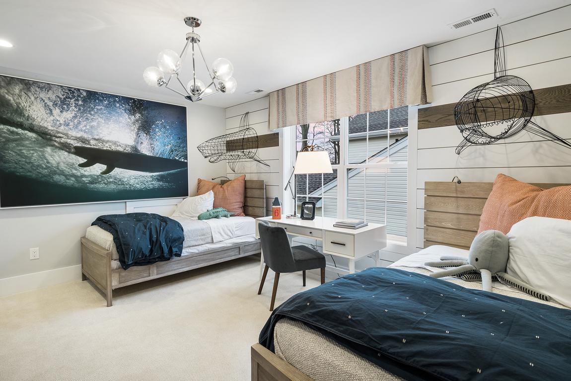 Kids bedroom featuring oceanic design