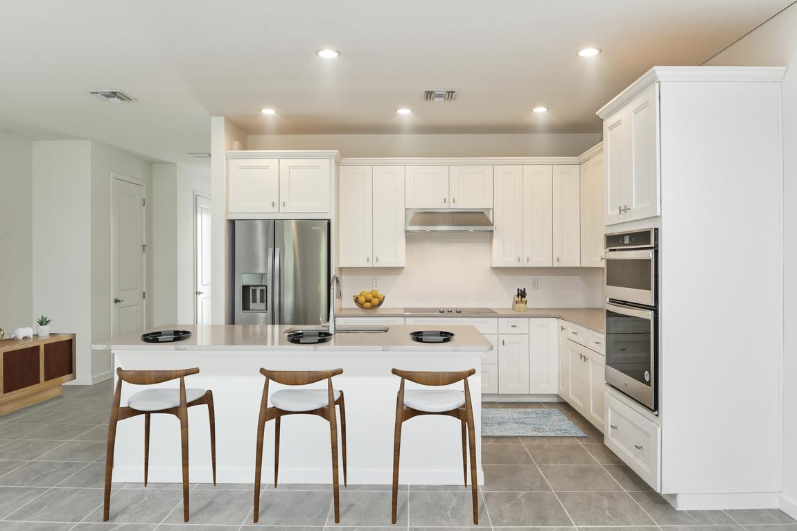 kitchen design with white marble backsplash