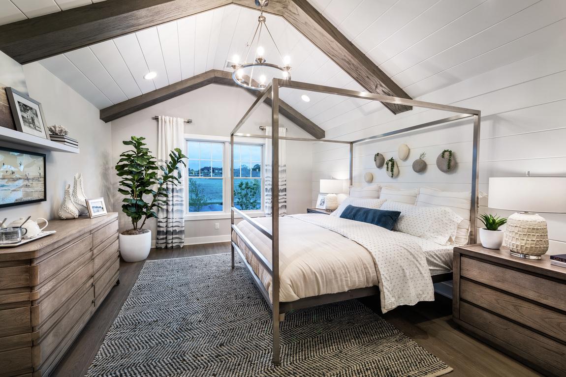 Vaulted bedroom design