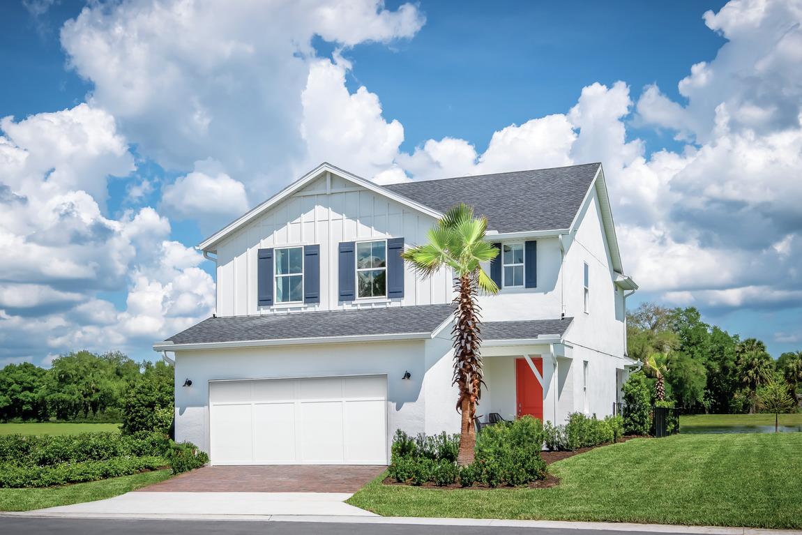 modern farmhouse exterior in Florida