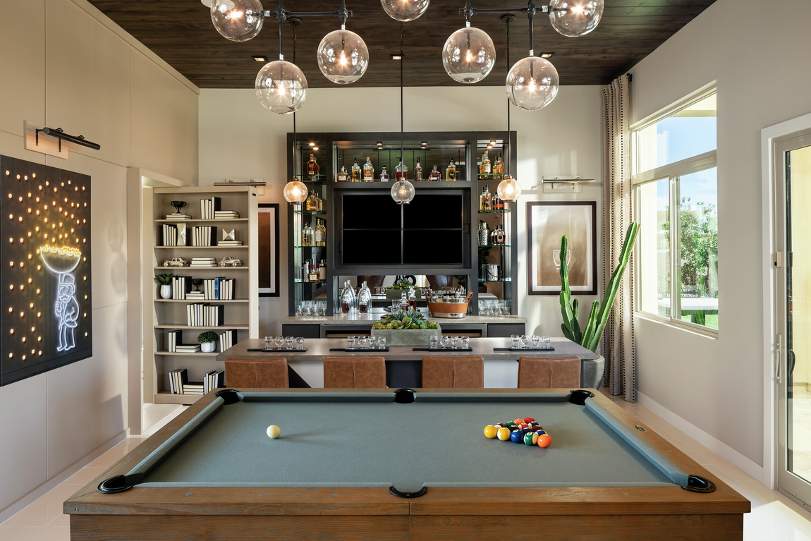 extra room with bar and billiards